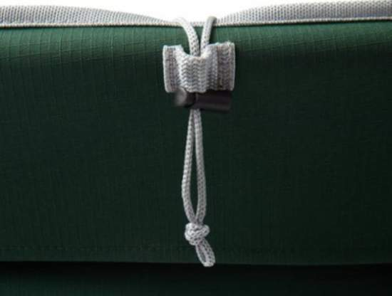 Attachment string with a buckle for the head pillow.