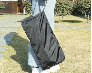 This is the cot in its carry bag.